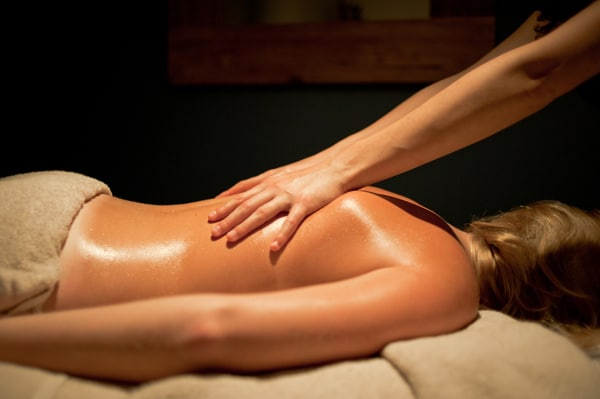 massage erotique ain Vitrolles
